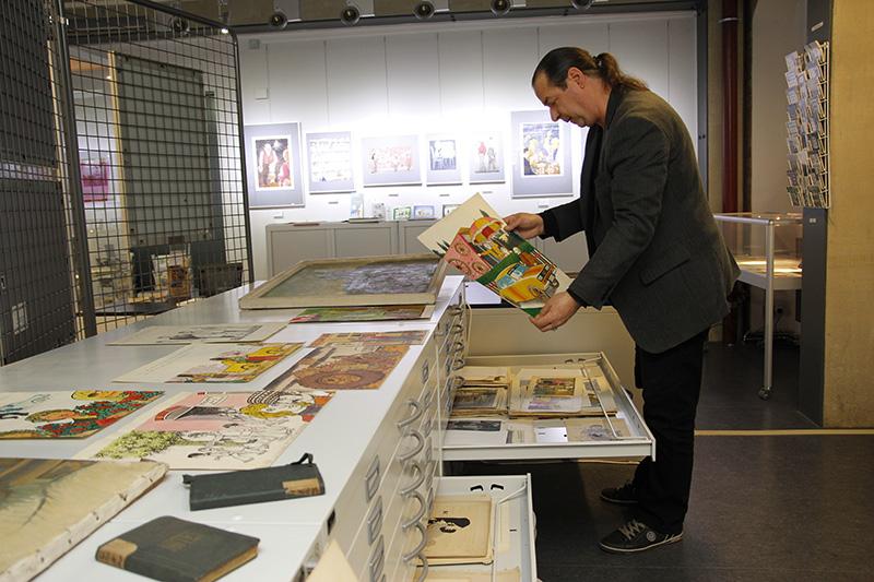 Rund 25.000 originalgrafische Blätter und Objekte bedeutender Karikaturisten umfasst die Sammlung der Stiftung